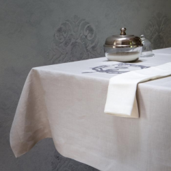 Linen tablecloth - embroidered plate