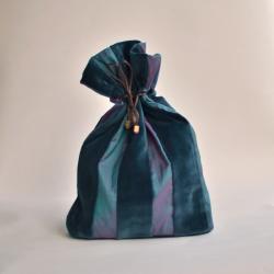 Velvet pouch - big