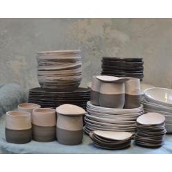 Kubek ceramiczny z talerzykiem