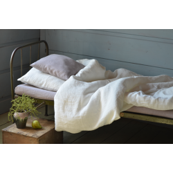 Linen bedding-ecru